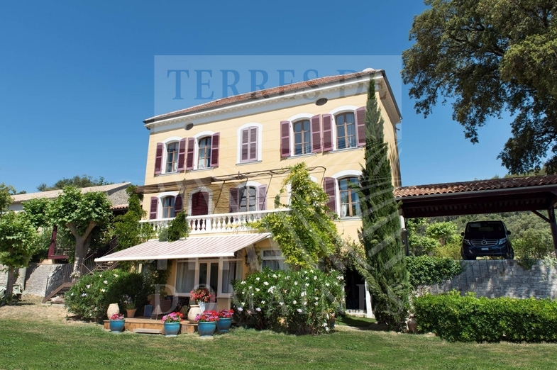 Domaine viticole de 13 hectares – Ref: 1917/020