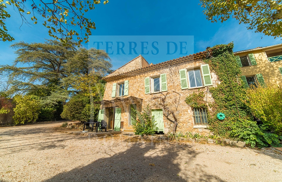 A historic estate in Provence – Ref: 1917/029