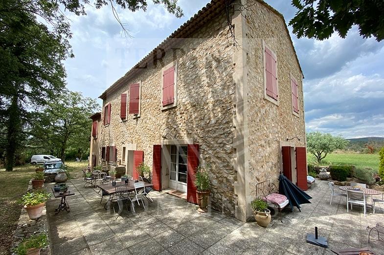 Un domaine bucolique en Provence – Ref : P0098