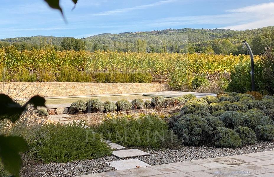 Domaine bucolique en Côtes de Provence – Ref : P106